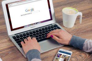 קידום ממומן בגוגל או בפייסבוק?